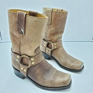 Women's Vintage Leather Distressed Cowboy Boots